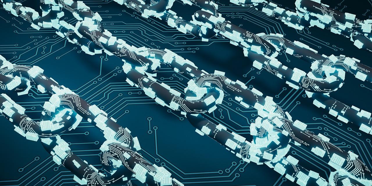 On peut créer des blockchains qui n'ont pas forcément besoin d'un consensus ouvert au public comme pour une cryptomonnaie. On peut imaginer d'utiliser une blockchain pour tracer des biens de valeur, pour tracer l'origine d'aliments depuis la production jusqu'à la consommation, gérer des contrats d'assurance, tracer les diamants, tracer les pièces détachées d'origine, authentifier un serveur informatique, etc.
